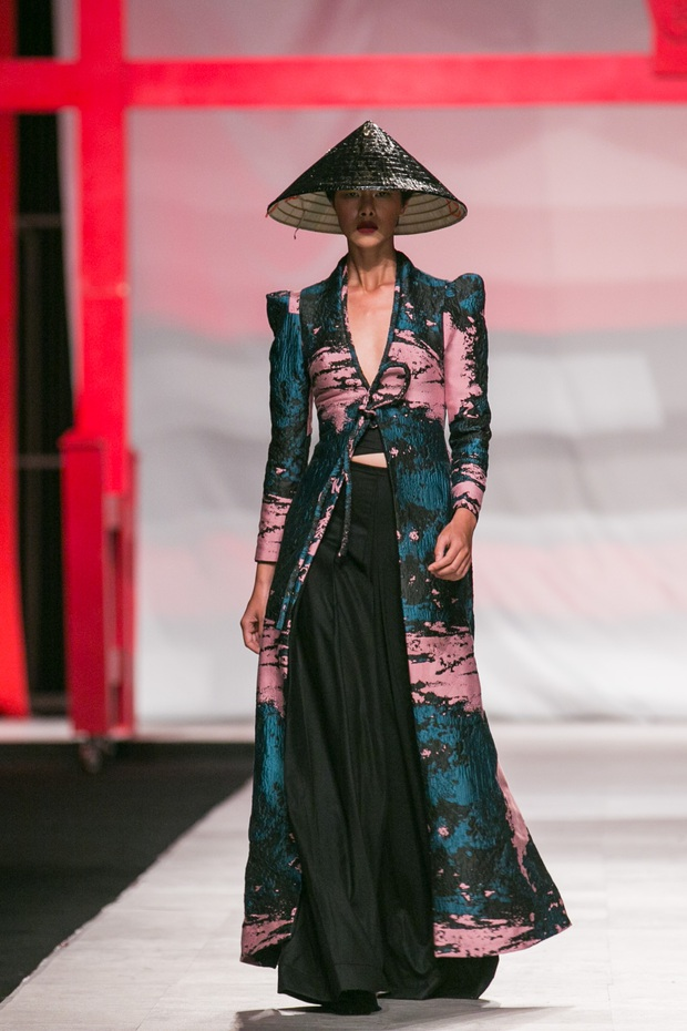 Hoa khôi Nam Em mở màn Tinh khôi - BST cuối cùng của Vietnam International Fashion Week - Ảnh 13.