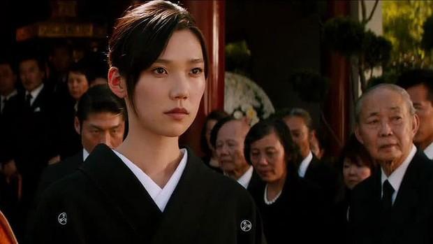 Siêu mẫu Nhật Bản tổ chức lễ cưới ấm cúng cùng chồng điển trai - Ảnh 14.