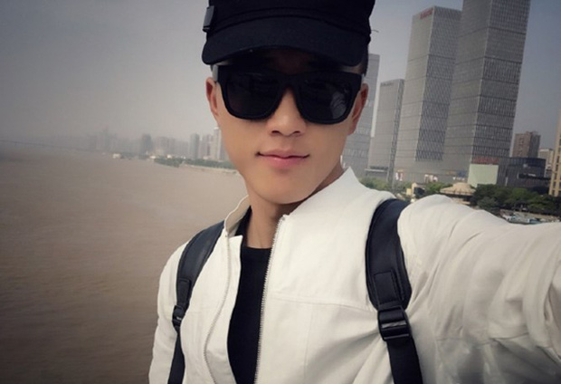 Soái ca quân nhân phiên bản Trung Quốc được khen đẹp trai hơn cả Song Joong Ki - Ảnh 3.