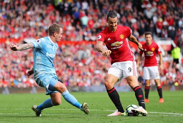 5 lý do Man Utd sẽ phải vất vả để lọt vào Top 4 chứ đừng mơ vô địch - Ảnh 3.