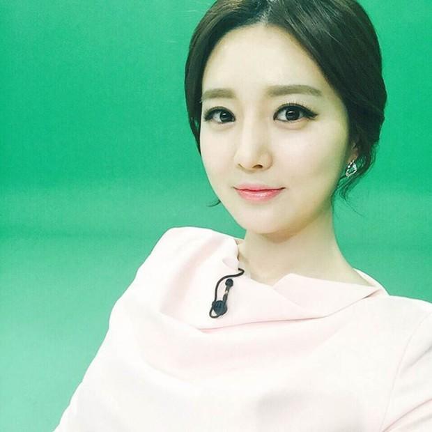 Xôn xao vì vợ diễn viên Vì sao đưa anh tới vừa quá đẹp vừa giống Lee Young Ae - Ảnh 9.