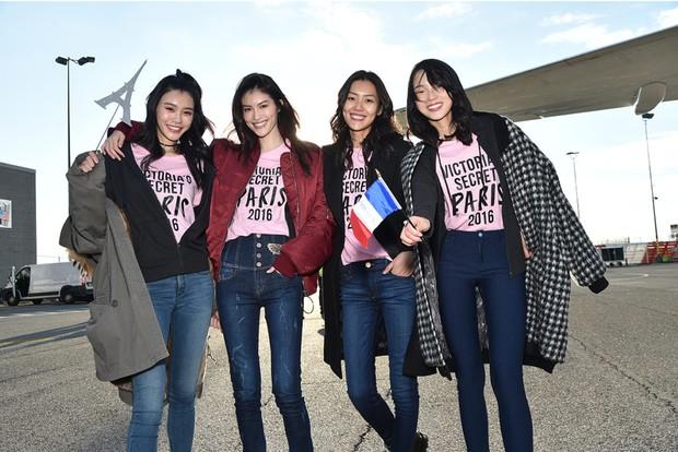Liu Wen, Sui He, Ming Xi, Xiao Wen Ju: 4 chân dài Victoria's Secret châu Á hóa ra cùng sở hữu style hè đẹp xuất sắc - Ảnh 1.