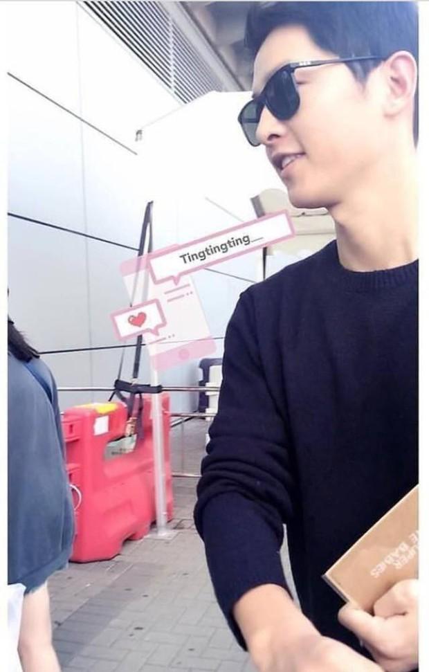 Song Joong Ki bị bắt gặp mua sách chăm con, củng cố tin đồn Song Hye Kyo đang mang thai? - Ảnh 2.