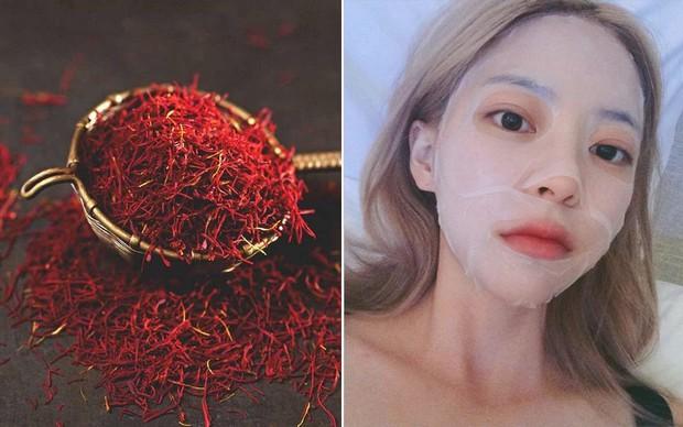 Lotion mask ngâm nhụy hoa nghệ tây: công thức mặt nạ vừa cấp ẩm vừa làm sáng da đang khiến con gái Việt mê mẩn - Ảnh 2.