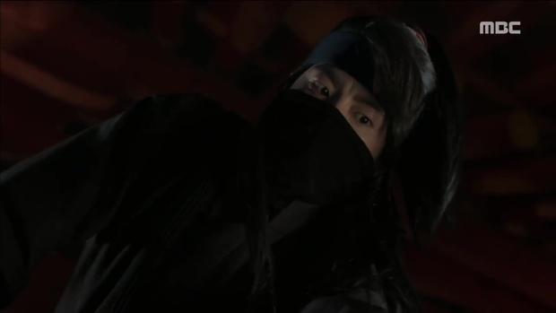Yoona đang gặp quá nhiều đối thủ nhan sắc trong The King Loves? - Ảnh 14.