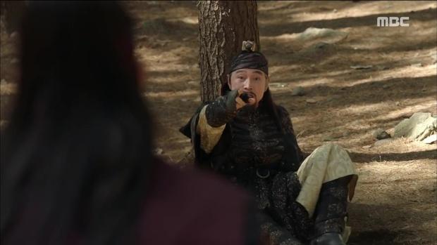 Yoona đang gặp quá nhiều đối thủ nhan sắc trong The King Loves? - Ảnh 20.