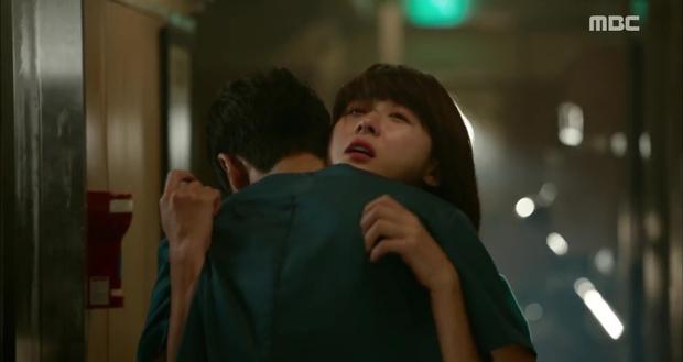 Ngán ngẩm xem Ha Ji Won một mình gánh team trong Hospital Ship - Ảnh 11.