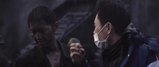 Song Joong Ki và Sulli chặt chém nhau với loạt thính nhá hàng bom tấn hè này - Ảnh 19.