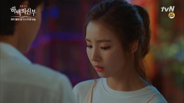 Fan lo lắng cho số phận của Krystal chỉ vì lời nói này của Thủy thần! - Ảnh 15.