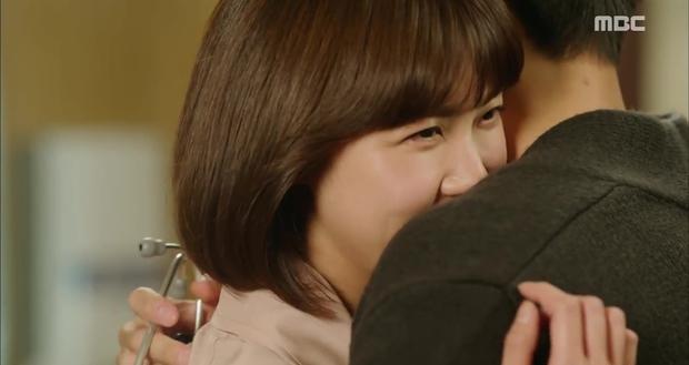 Rùng mình xem cách bác sĩ Hàn Quốc tỏ tình bằng... ống nghe - Ảnh 3.