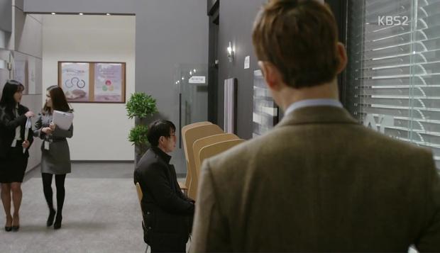 Bạn có biết Chief Kim vừa cosplay xuất sắc cảnh quay kinh điển của Goblin? - Ảnh 23.
