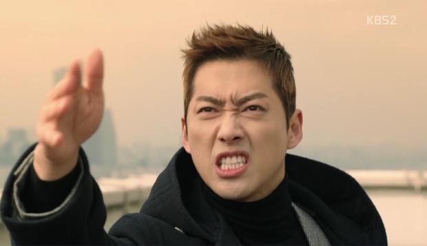 Bạn có biết Chief Kim vừa cosplay xuất sắc cảnh quay kinh điển của Goblin? - Ảnh 27.