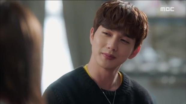 Quá manh động, Yoo Seung Ho không sợ ngứa, kề sát môi robot - Ảnh 4.