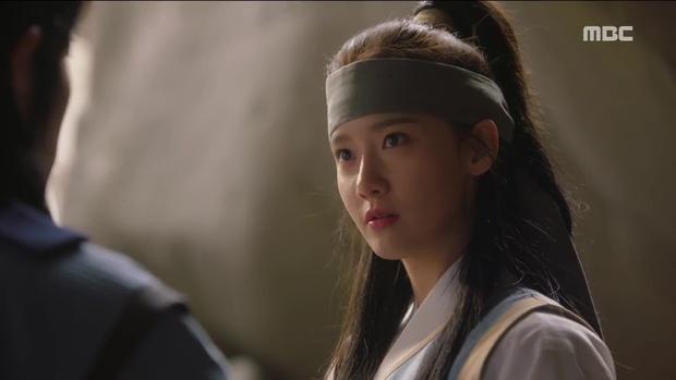 Tiểu thư Yoona đã xinh đẹp lại còn ngầu hết ý thế này, ai mà chẳng mê? - Ảnh 9.