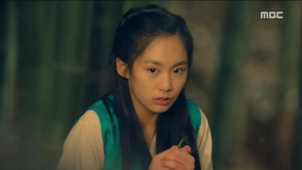 Tiểu thư Yoona đã xinh đẹp lại còn ngầu hết ý thế này, ai mà chẳng mê? - Ảnh 15.