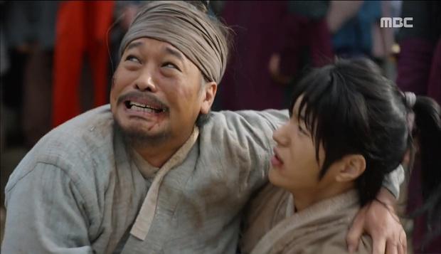 Nữ phụ Quân Chủ bị Yoo Seung Ho cho ăn dưa bở, thiên hạ cực hả hê! - Ảnh 29.