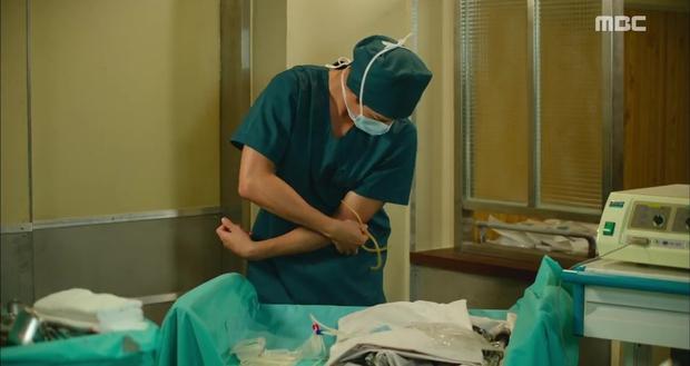 Ngán ngẩm xem Ha Ji Won một mình gánh team trong Hospital Ship - Ảnh 7.