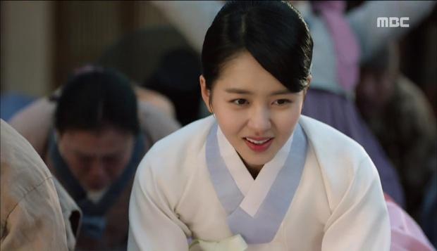 Nữ phụ Quân Chủ bị Yoo Seung Ho cho ăn dưa bở, thiên hạ cực hả hê! - Ảnh 33.