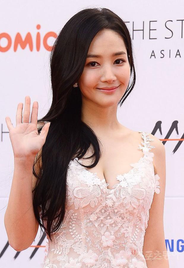 Lọt vào một khung hình tại Asia Artist Awards, top mỹ nhân Kbiz đẹp đến mức khiến fan đau đầu không biết ai hơn - Ảnh 19.