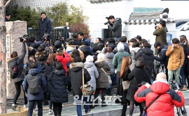 HOT: Rò rỉ hình ảnh hiếm hoi Kim Tae Hee và Bi Rain hạnh phúc thề nguyện bên trong đám cưới thế kỷ - Ảnh 25.