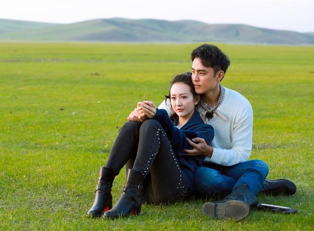 Thoát khỏi scandal giật chồng Dương Mịch, Vương Âu show giả tình thật với tài tử Minh Đạo? - Ảnh 1.
