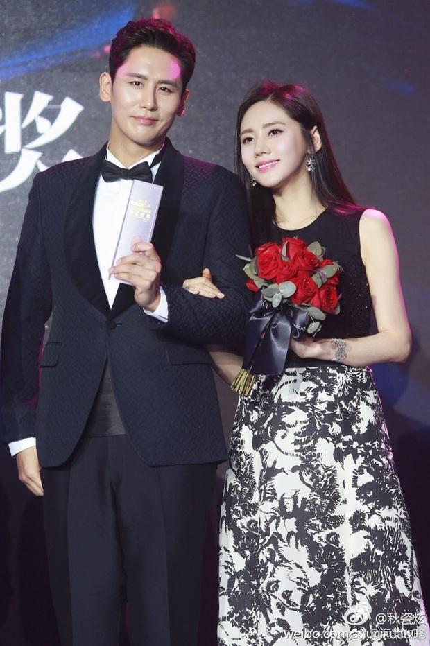 Màn cầu hôn ngọt ngào của cặp đôi Vu Hiểu Quang - Choo Ja Hyun: Anh vẫn muốn cảm ơn trời vì đã cho anh gặp em - Ảnh 1.