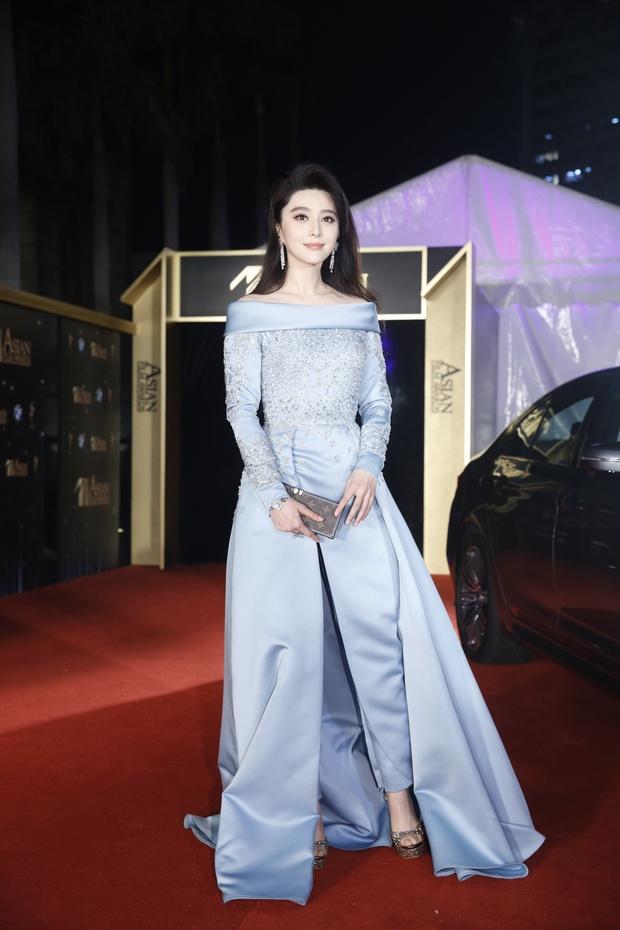 Phạm Băng Băng chiếm hết ánh đèn sân khấu đêm trao giải phim châu Á 2017 - Ảnh 9.