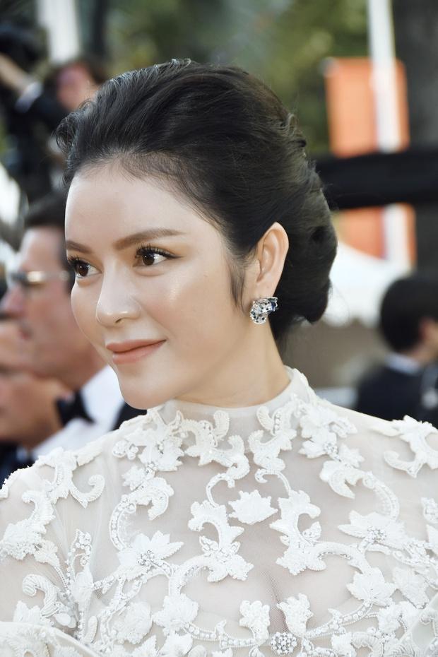 Không thua chị kém em, Lý Nhã Kỳ lộng lẫy như bà hoàng trên thảm đỏ khai màn LHP Cannes 2017 - Ảnh 5.