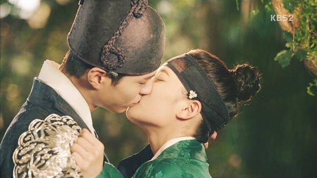 Bằng chứng chứng minh 5 nam chính phim Hàn này có bệnh về mắt cực nặng - Ảnh 3.