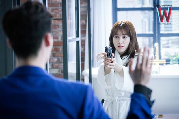 Xoắn não cùng 5 bộ phim xuyên không độc đáo của xứ Hàn - Ảnh 5.