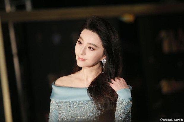 Phạm Băng Băng chiếm hết ánh đèn sân khấu đêm trao giải phim châu Á 2017 - Ảnh 10.