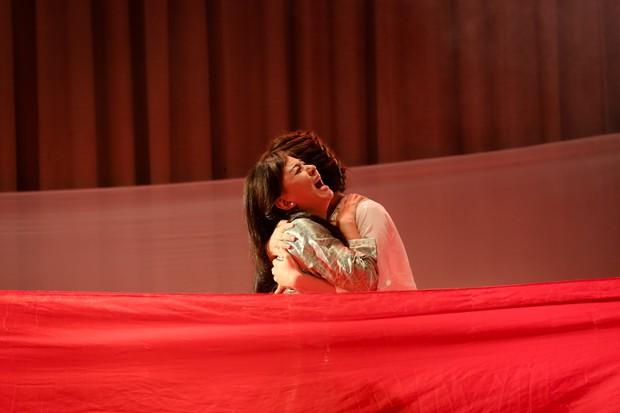 Lật mặt showbiz: Cát Phượng - Ái Phương ôm nhau khóc sau mâu thuẫn từ câu chuyện Hà Hồ - Minh Hằng - Ảnh 8.