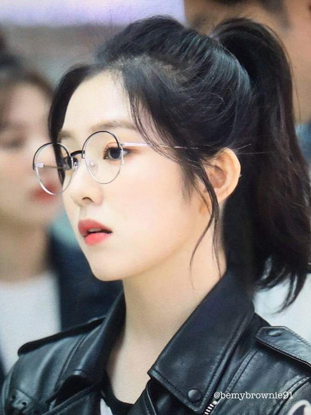 Lý do khiến ai cũng bật ngửa đằng sau sở thích diện kính mọt sách hot trend của Irene (Red Velvet) - Ảnh 8.