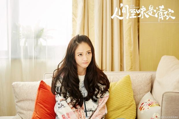 Đạo diễn Hoàng Tử Ếch hô biến Trần Kiều Ân thành thiếu nữ vui vẻ - Ảnh 2.