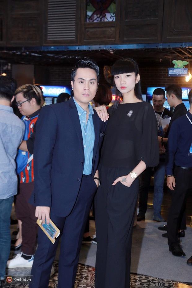 Mặc trời nóng, Đàm Vĩnh Hưng và Dương Triệu Vũ vẫn ra Hà Nội ủng hộ phim của cháu gái - Ảnh 11.