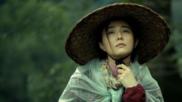 Phạm Băng Băng chiếm hết ánh đèn sân khấu đêm trao giải phim châu Á 2017 - Ảnh 5.