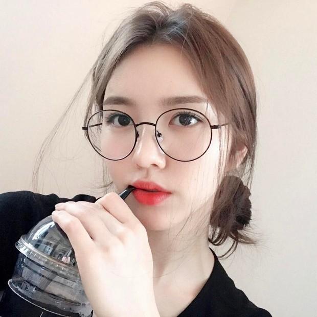 Lý do khiến ai cũng bật ngửa đằng sau sở thích diện kính mọt sách hot trend của Irene (Red Velvet) - Ảnh 9.