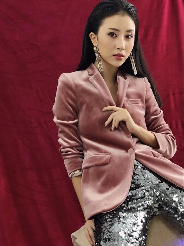 Chi Pu & Quỳnh Anh Shyn cùng lên đồ cho nhau, gợi ý ăn mặc chặt chém hết nấc ngày Xmas - Ảnh 2.