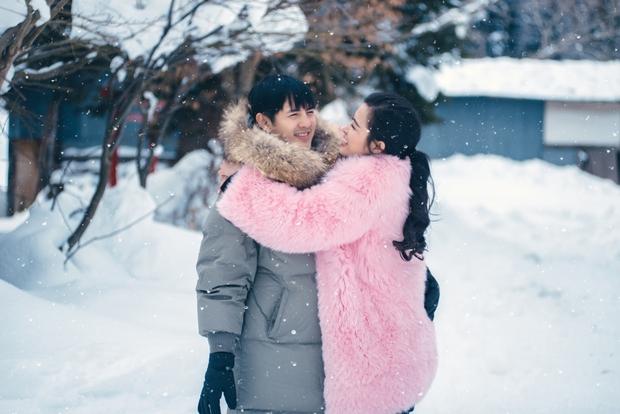 Ngọt ngào thế này giữa tuyết trắng xóa, hỏi sao người ta không ghen tị với Đông Nhi - Ông Cao Thắng - Ảnh 3.