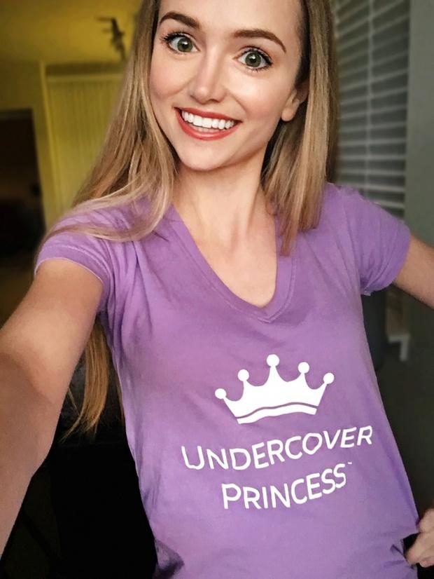 Cô gái dành 300 triệu đồng để trở thành các nàng công chúa Disney, và lý do đáng yêu phía sau - Ảnh 1.