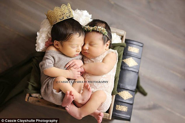 Định mệnh sinh ra là để dành cho nhau của cặp đôi sơ sinh Romeo và Juliet - Ảnh 1.