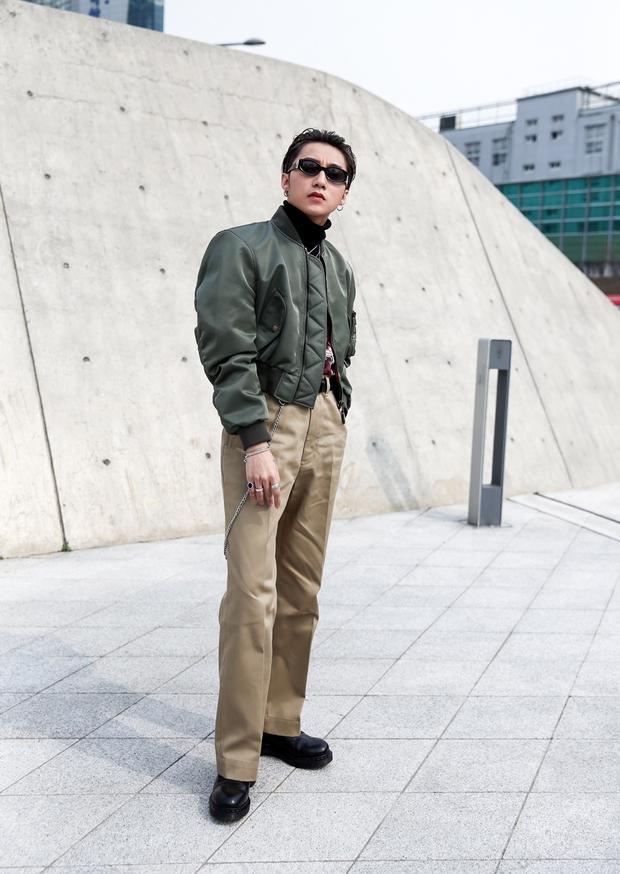 Set đồ của bố mà Sơn Tùng mặc tới Seoul Fashion Week giống của Ngô Diệc Phàm đến bất ngờ - Ảnh 1.