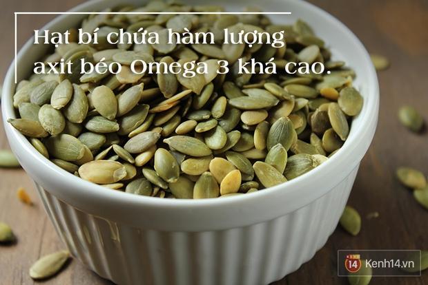 5 lý do bạn không nên vứt hạt đi sau khi ăn bí đỏ - Ảnh 1.