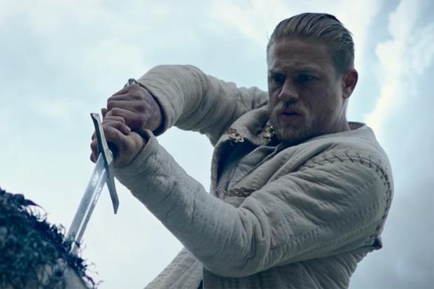 King Arthur: Legend of the Sword - Bản anh hùng ca đậm chất trào phúng - Ảnh 2.
