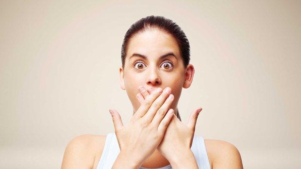 Hơi thở bỗng nhiên có mùi lạ, coi chừng cơ thể mắc các bệnh nguy hiểm - Ảnh 2.