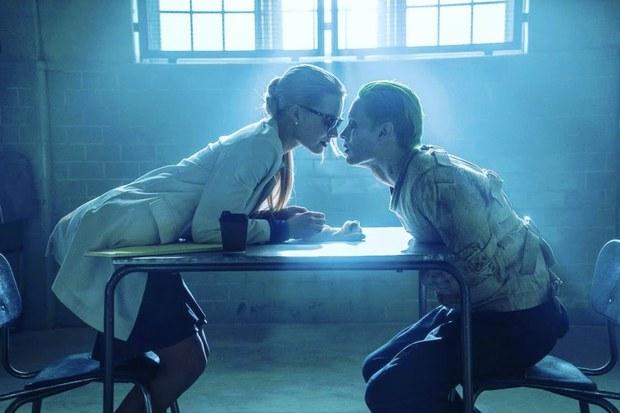 Warner Bros. và DC chuẩn bị làm phim riêng cho Harley Quinn và Joker - Ảnh 1.