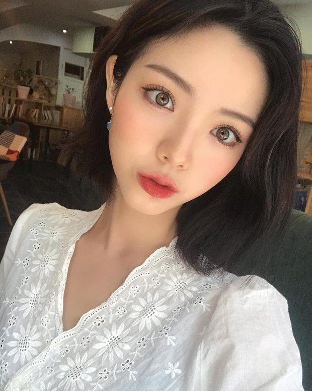 Không phải beauty blogger nhưng 5 hot girl Hàn này vẫn được hội mê làm đẹp săn đón vì makeup cực long lanh - Ảnh 7.