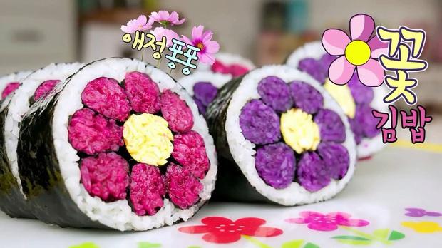 Biến tấu cuộn kimbap thành bông hoa đẹp mắt mà cách làm thì dễ không ngờ - Ảnh 8.