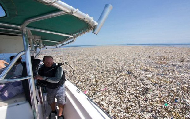 Tưởng bãi rác khổng lồ nhưng không ai ngờ, đây chính là quần đảo thiên đường Caribbean từng hút khách du lịch - Ảnh 1.