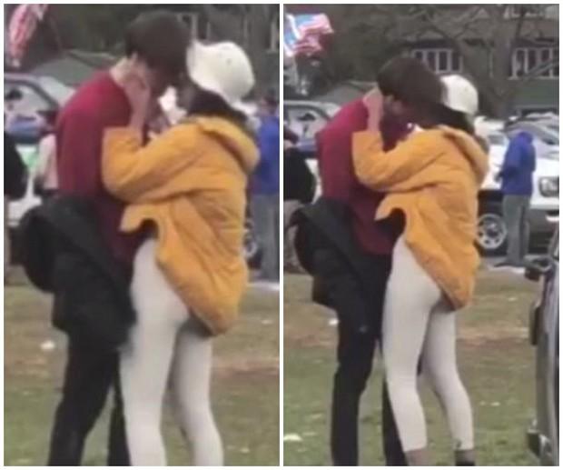 Ái nữ nhà ông Obama ôm hôn trai lạ, hút thuốc lá ngay trong khuôn viên trường đại học - Ảnh 2.